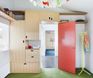 Wardrobe paired with the Book Tree - Steffen Welsch Architects